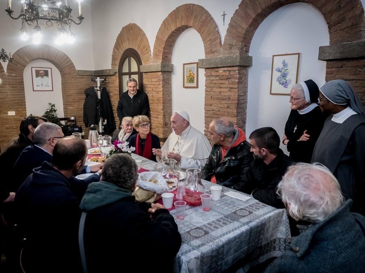Papa Francisco transformou um dos palácios do Vaticano em 'palácio dos pobres' para os sem-teto