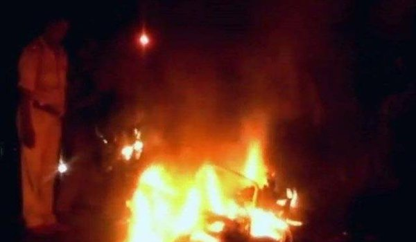 Bajrang Dal activists attack police station to rescue 5 from lock up in Agra