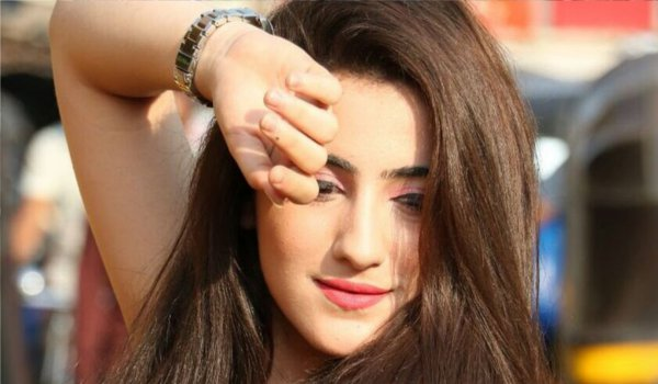 Girls are not meant to stay at home : Actress Diana Khan