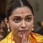 Actress Deepika Padukone seeks divine help, visits Siddhivinayak temple for 'Padmavat'