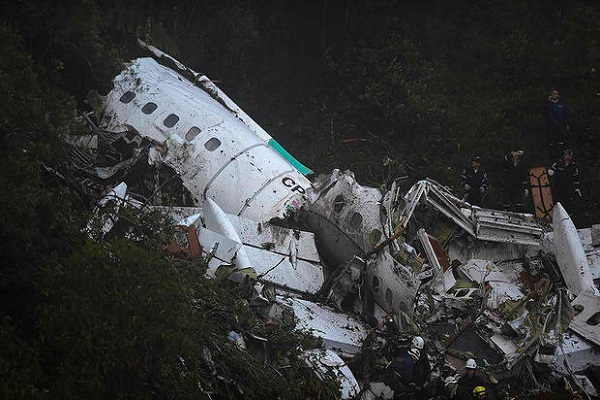 Costa Rica: 12 killed in plane crash