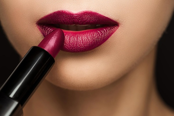 If you apply these methods, then you will be lipstick for a long time.