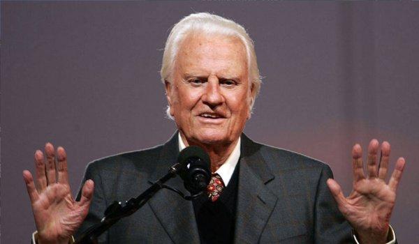 Billy Graham dies in North Carolina : NC reverend was 99