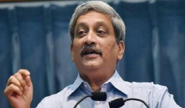 Have begun to fear as girls now drinking beer, says Manohar Parrikar