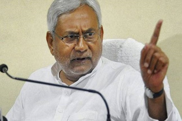 Nitish Kumar condoles the death of Kedarnath Singh
