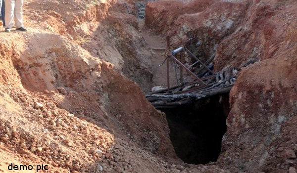 Jhalawar : four laborers buried by collapse soil, one dead