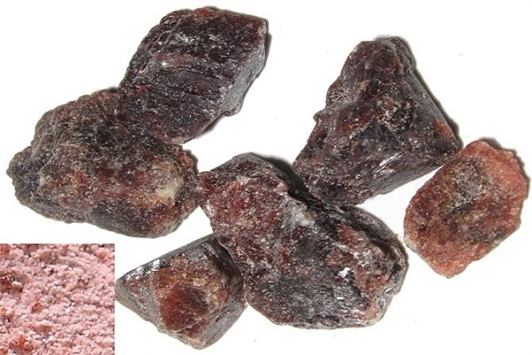 OMG Black salt makes the eyes light faster and much more benefits