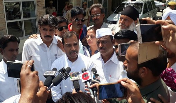 Ajmer Congress protest against inflation at outside collectorate