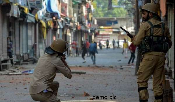 Two youths killed in clashes with security forces in south Kashmir