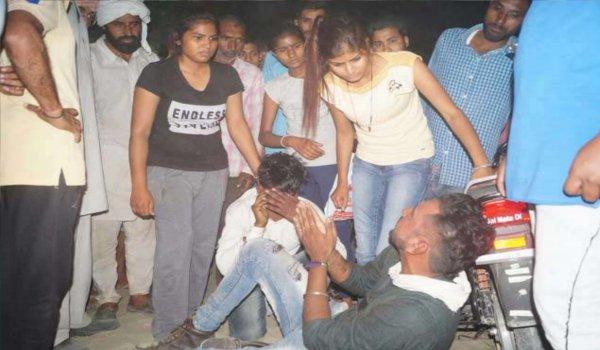 sirsa girls caught Purse snatcher and beaten up