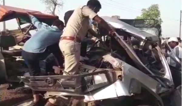 Madhya Pradesh : 12 dead, 6 injured as tractor trolley rams into jeep in Morena