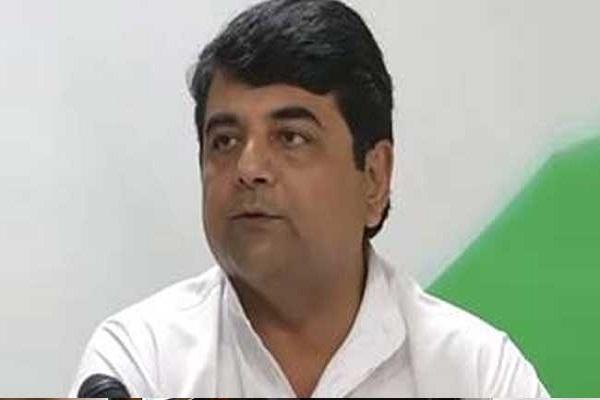 कांग्रेस ने रुपए को लेकर प्रधानमंत्री नरेंद्र मोदी पर दागे उन्हीं के सवाल