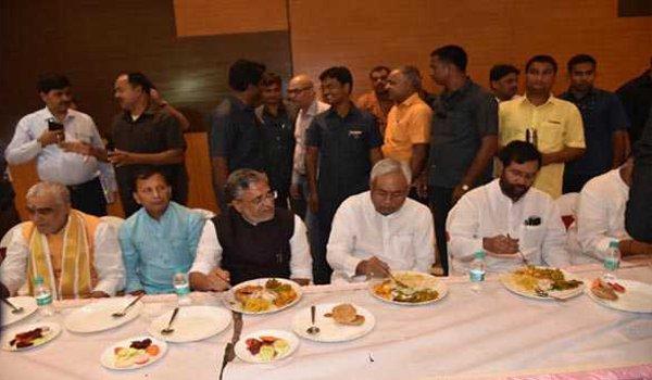 Upendra Kushwaha poser in unity show