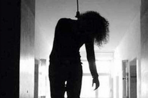 अलवर में छ:माह की गर्भवती महिला ने फांसी लगाकर की आत्महत्या
