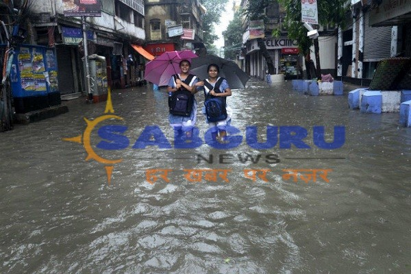 Lives in Lucknow due to heavy rains