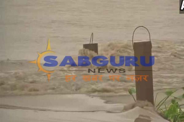 Yumna river water level across danger mark in Delhi