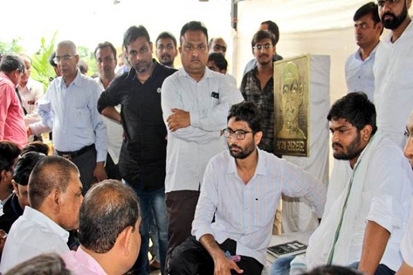 Hardik Patel warned of burning discontent on the sixth day of fasting