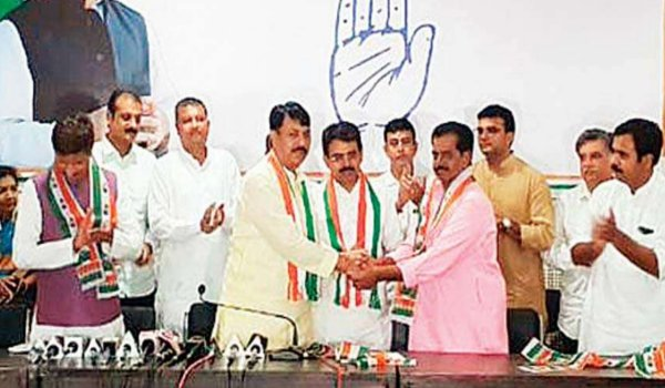 Ex-BJP MLA, former Rajkot mayor join Congress in Gujarat