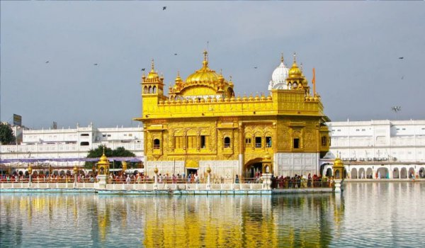 Guru Granth Sahib Was Established In Harmandir Sahib On 27th of august 1604 in Amritsar