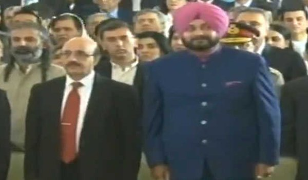 Navjot Singh Sidhu sits next to PoK President Masood Khan at Imran khan's swearing in