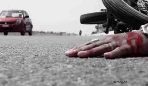 two youth killed in Car-bike collision in sikar