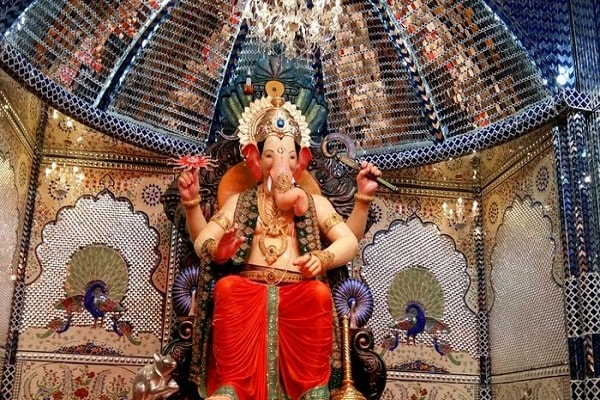 occasion of ganesh chaturthi darshan of these temples