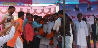 bharat vahini party chief ghanshyam tiwari visits dholpur