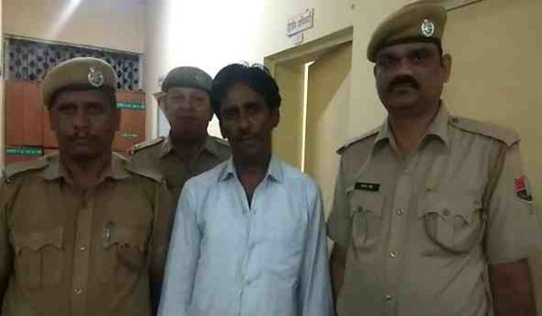 Natwarlal arrested for sold fake silver to jwellers in ajmer