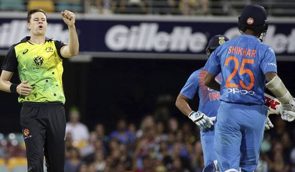 india vs australia 1st T20I : australia beat india by 4 runs DLS