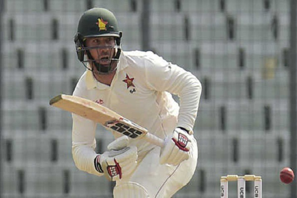 Brendan Taylor and Peter Moore struggle for Zimbabwe