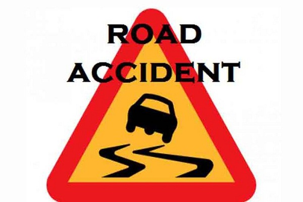 Four people killed in road accident in Kotalapalli crossing in Kurnool