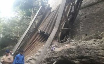 Uttarakhand : two dead, three injured as 115 year old bridge collapsed at Garhi Cantonment in Dehradun