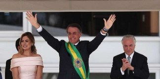 Jair Boulosnero takes oath as president of Brazil