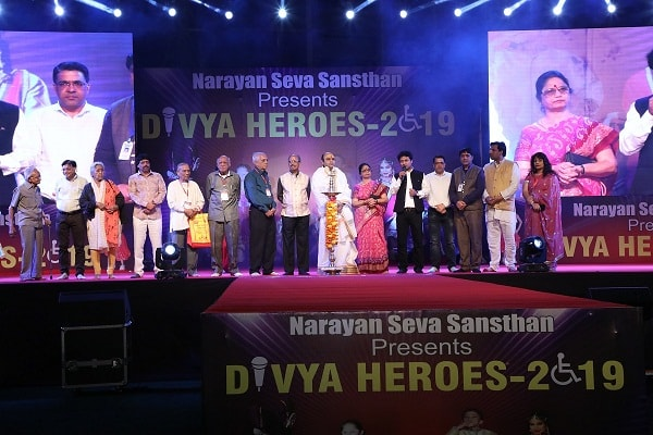 Divya Heroes 2019: Differently abled models walked down the ramp in Financial Capital of India