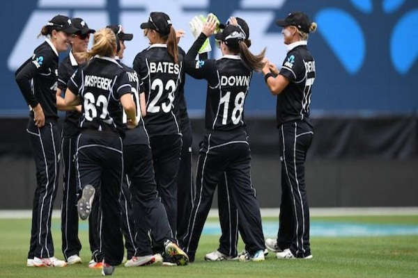 New Zealand beat India in the 3rd ODI by 8 wicket but lost the series 1