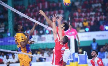 Chennai Spartans vs Calicut Heroes in Volleyball League final