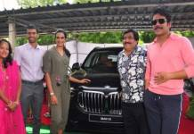 south-actor-nagarjuna-akkineni-gifts-bmw-x5-suv-to-pv-sindhu