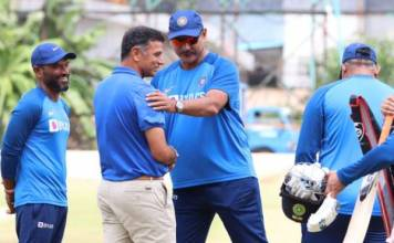 rahul dravid spends time with indian players inbengaluru