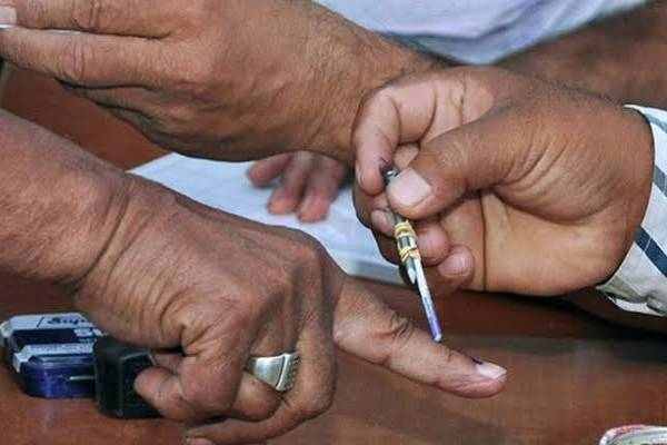 fake-polling-agent-detained-during-up-by-election-polling-in-rampur