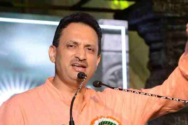 ananth-kumar-hegde-claims-bjp-put-up-a-drama-by-making-fadnavis-cm-to-move-40-thousand-crores-to-central-government