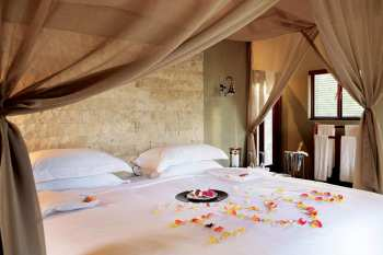 Arathusa Safari Lodge Luxury Room Honeymoon