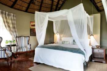 Arathusa Safari Lodge Suite Bed