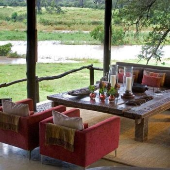 Exeter River Lodge Accommodation Roofed Lounge