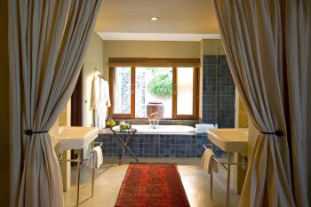 Exeter River Lodge Bathroom