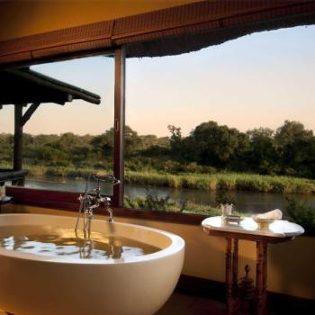 Lion Sands Game Reserve Honeymoon Accommodation Bathrrom