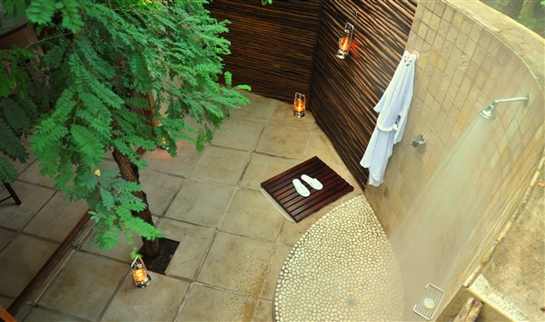 Savanna Private Game Lodge Savanna Suite Outdoor Shower