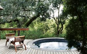 Londolozi Varty Camp Superior Chalet Deck and Pool