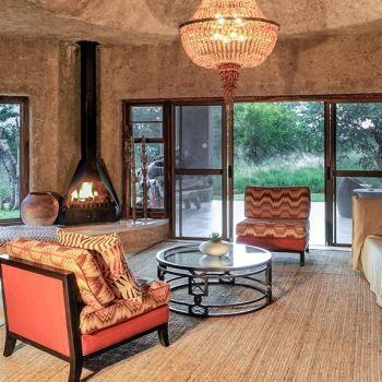 Sabi Sabi Earth Lodge Amber Suite Lounge