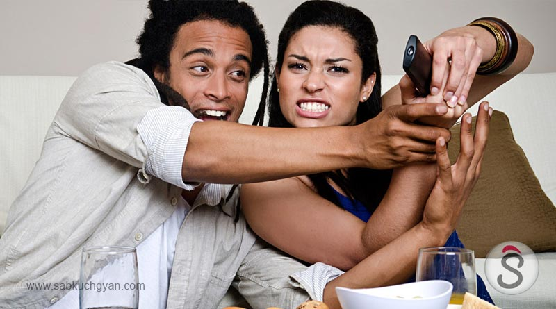 02-tv-remote-fighting-with-husband-and-wife