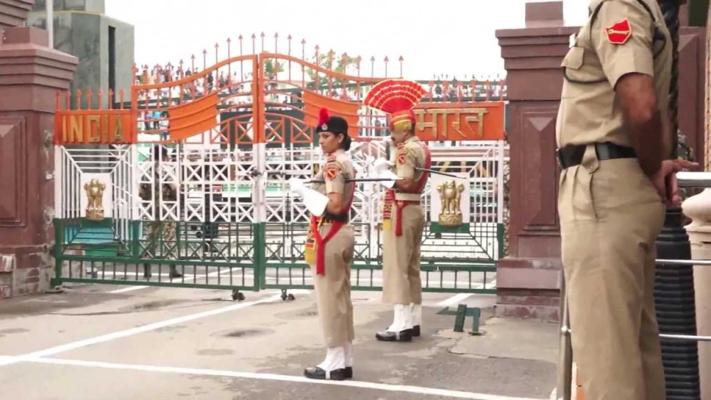 Travel - Wagah Border - The pride of the country Every Indian should go there (3)